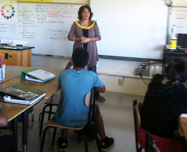 Shirley De Rego at Kohala Middle School with Legacy of Life Hawaii and their Creative Challenge